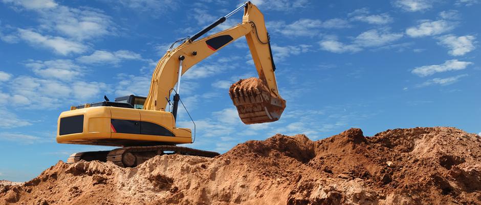 excavator-bulldozer-in-sandpit940